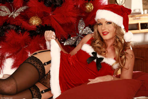 VivThomas_Merry-Christmas_Sandra-Sanchez_by_Viv-Thomas_high_0015