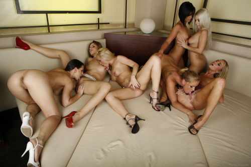VivThomas_Gina-Peaches-Eve-Nesty-Cathy-Cassye-and-Dorina_Cathy-Campbell--Eve-Angel--Gina-B_high_0106